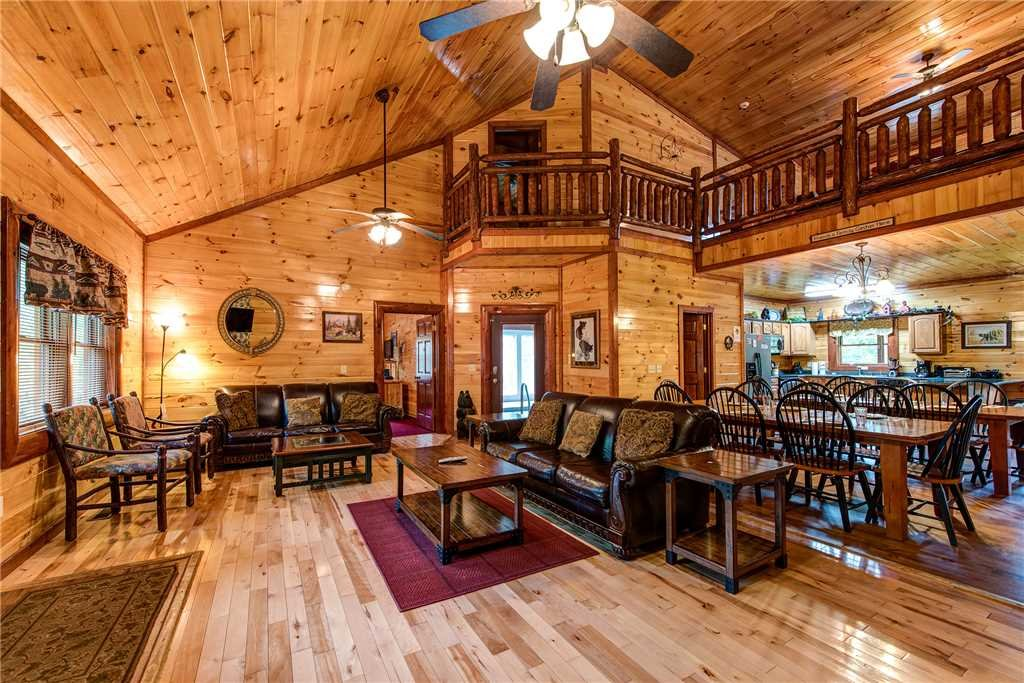 Photo of a Gatlinburg Cabin named Grand Bear Lodge - This is the second photo in the set.