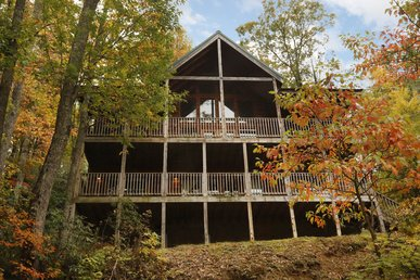 4 Bedroom Gatlinburg Cabin Convenient To Downtown Ski Mountain Road