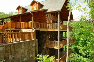 7 Bedroom Smoky Mountain Cabin With Mountain Views, Game Room, Hot Tub