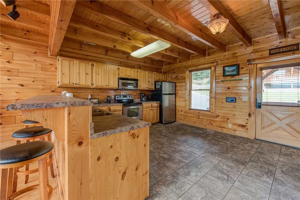 Photo of a Pigeon Forge Cabin named Must Be Dreamin' - This is the ninth photo in the set.