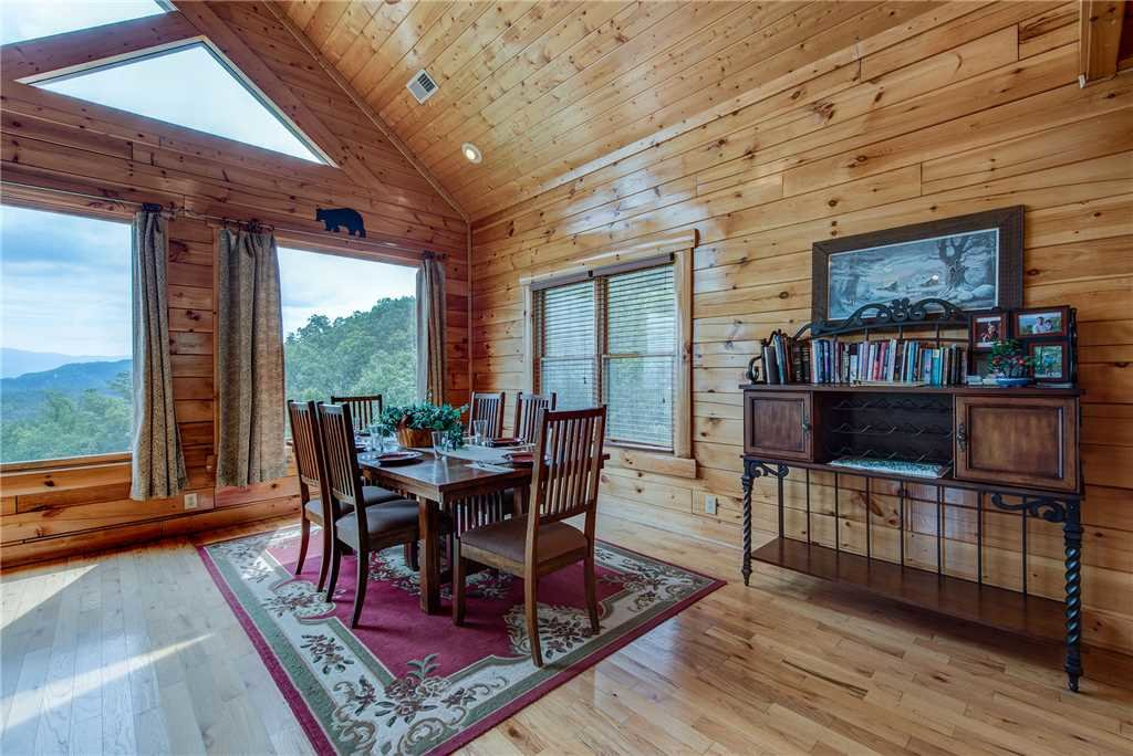 Photo of a Pigeon Forge Cabin named Must Be Dreamin' - This is the seventh photo in the set.