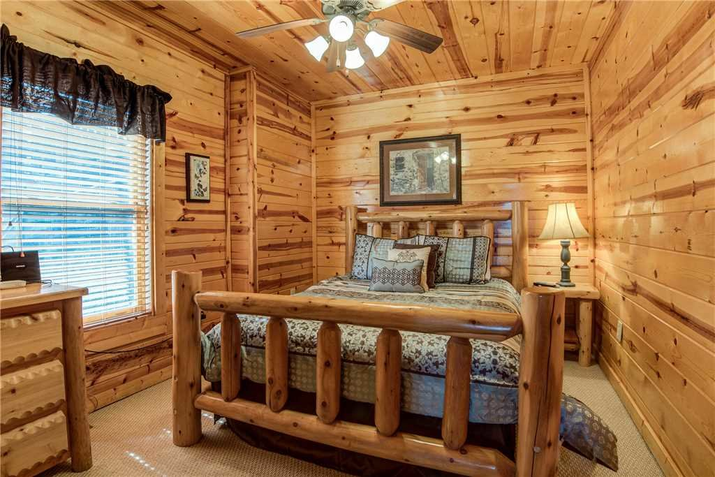 Photo of a Pigeon Forge Cabin named Mountain View Escape - This is the fourteenth photo in the set.