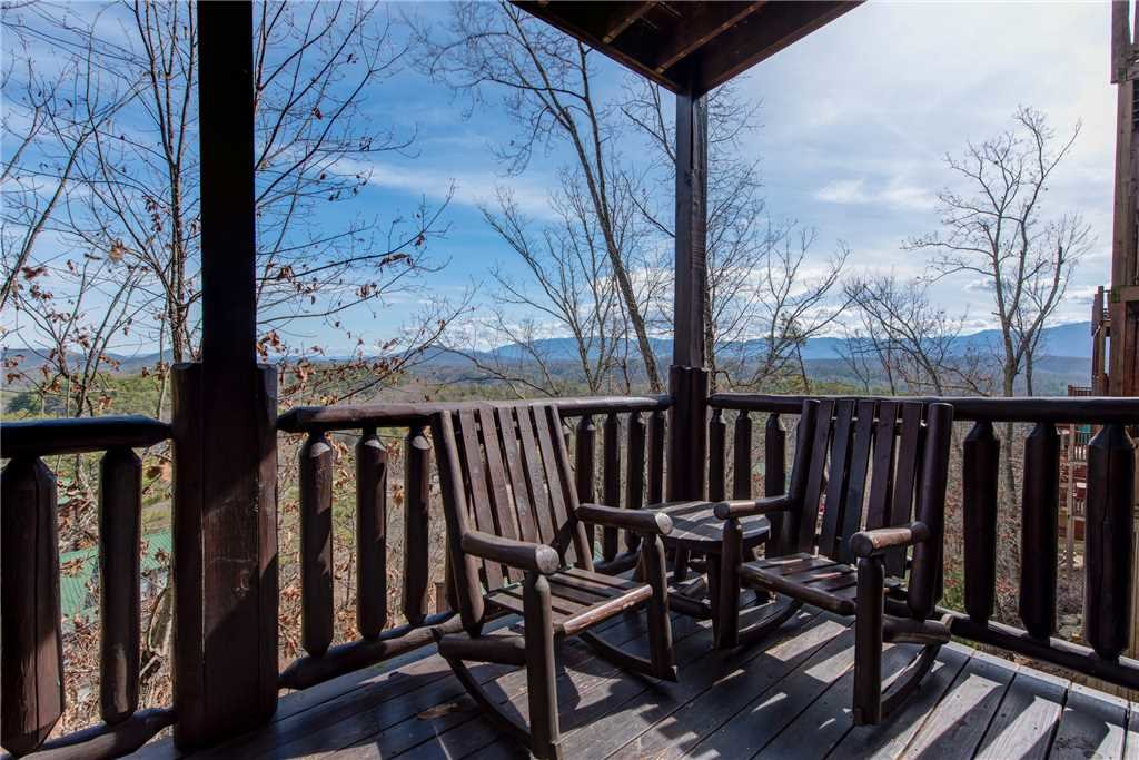 Photo of a Pigeon Forge Cabin named Mountain View Escape - This is the twenty-second photo in the set.