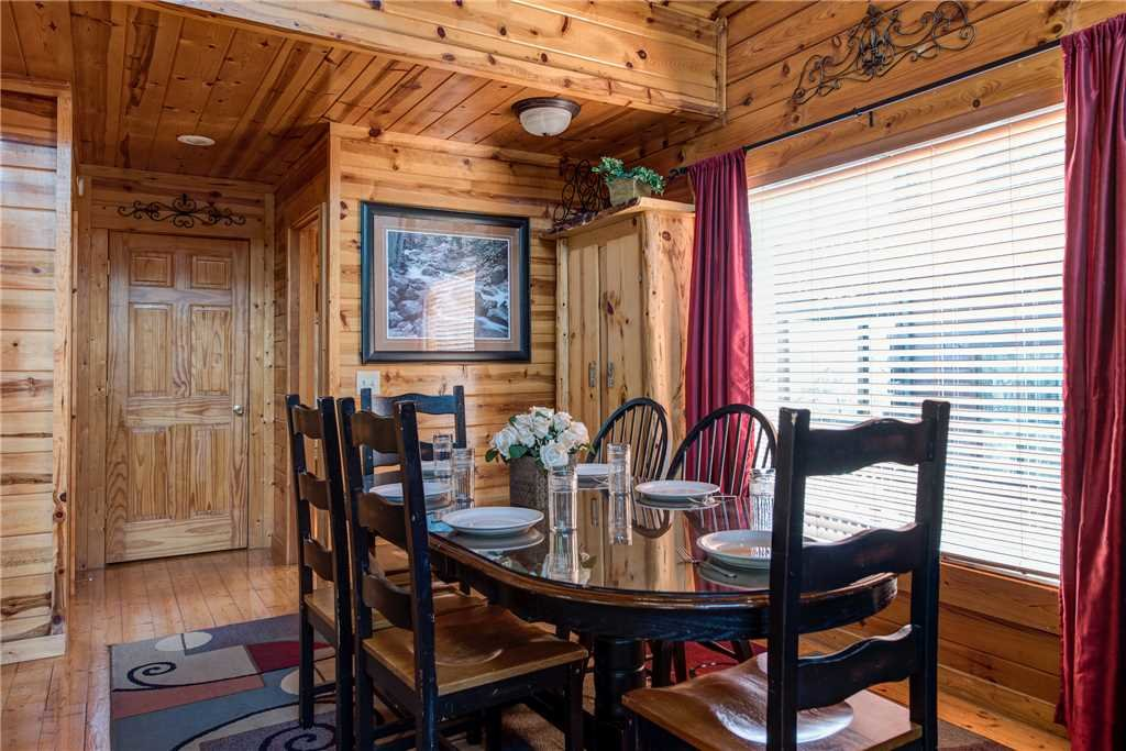 Photo of a Pigeon Forge Cabin named Mountain View Escape - This is the fourth photo in the set.