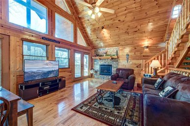Hemlock Manor, 3 Bedrooms, Wifi, Game Room, Hot Tub, Fireplace, Sleeps 10