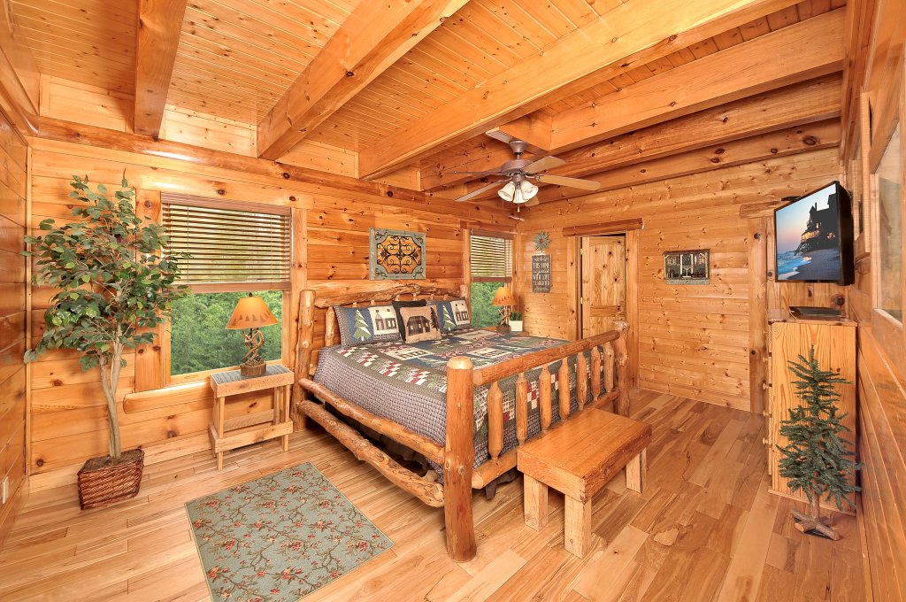 Photo of a Pigeon Forge Cabin named American Eagle - This is the eighth photo in the set.