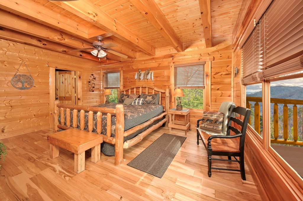 Photo of a Pigeon Forge Cabin named American Eagle - This is the twelfth photo in the set.
