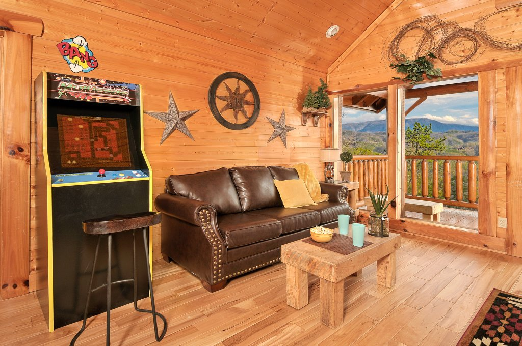 Photo of a Pigeon Forge Cabin named American Eagle - This is the twenty-fourth photo in the set.