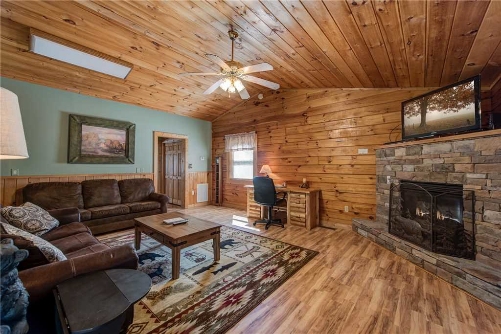 Photo of a Gatlinburg Cabin named Heart & Soul - This is the first photo in the set.