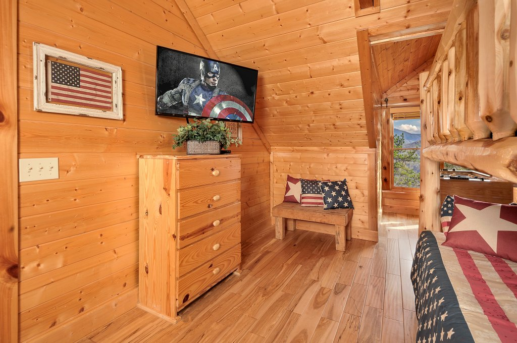 Photo of a Pigeon Forge Cabin named American Eagle - This is the twenty-eighth photo in the set.
