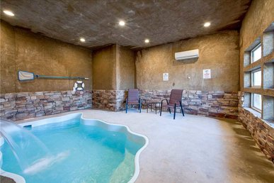 Majestic Waters, 2 Bedrooms, Private Indoor Pool, Hot Tub, Pet Friendly