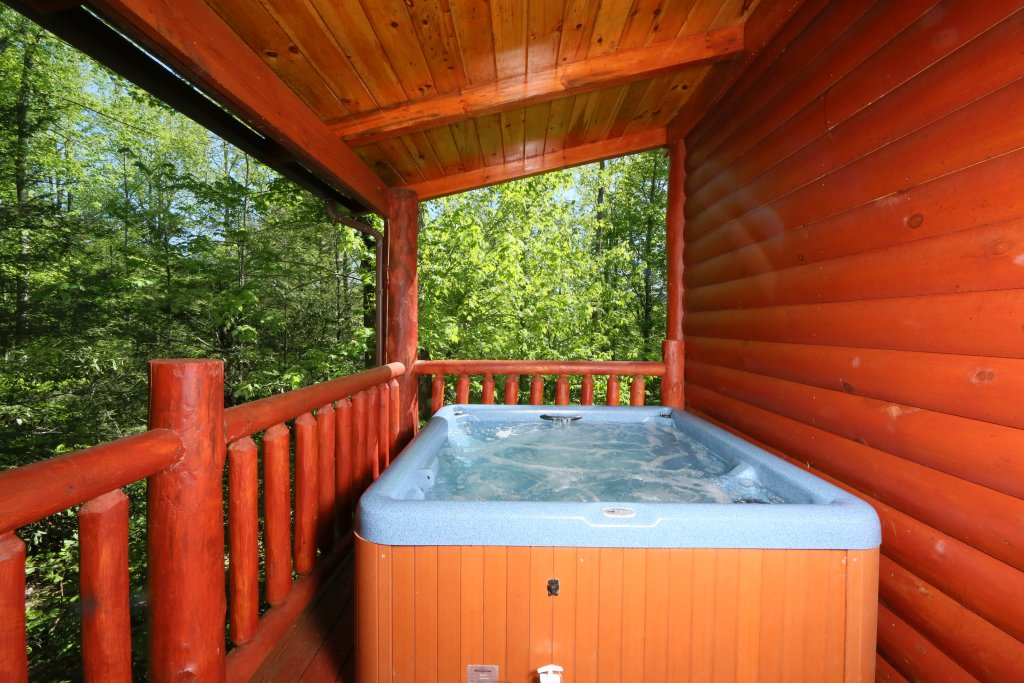 Photo of a Gatlinburg Cabin named Poolin' Around - This is the third photo in the set.