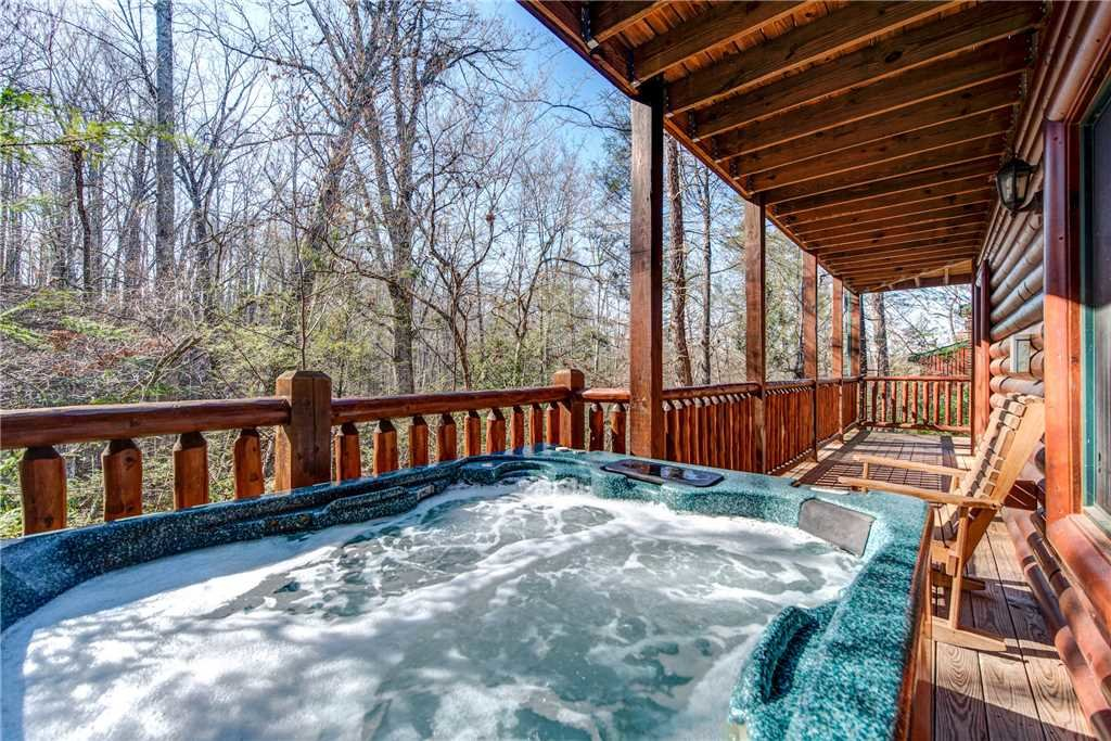 Photo of a Gatlinburg Cabin named Mountain Dreams Ii - This is the second photo in the set.