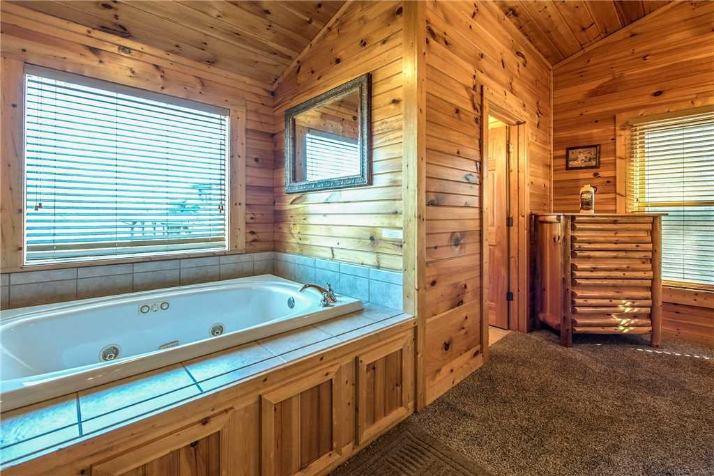 Photo of a Gatlinburg Cabin named Mountain Dreams Ii - This is the twelfth photo in the set.