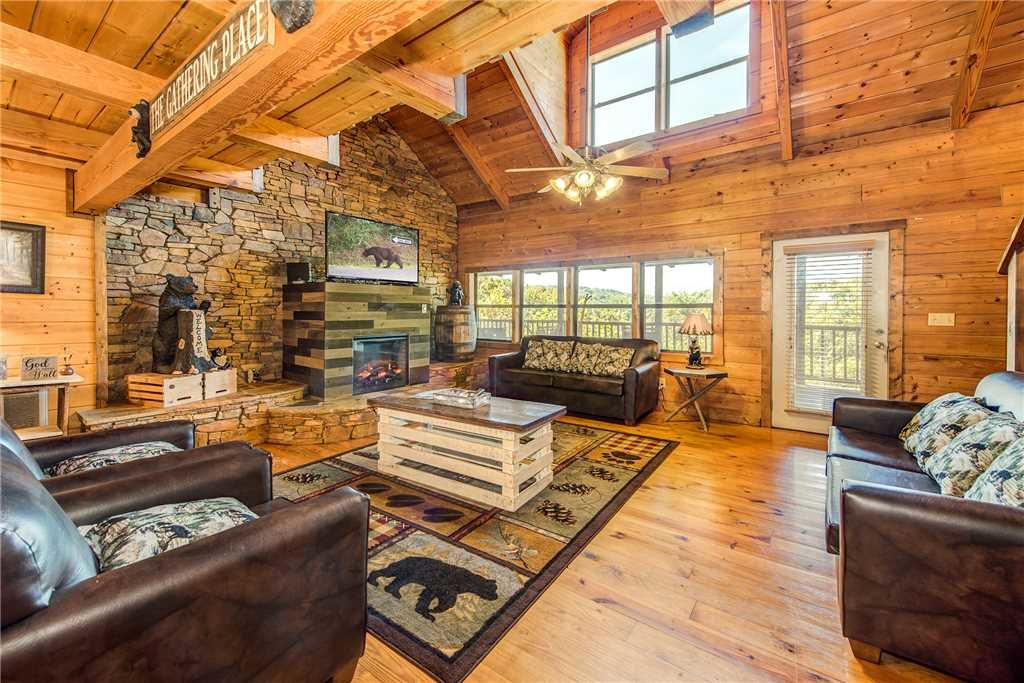 Photo of a Pigeon Forge Cabin named Tennessee Treasure - This is the first photo in the set.