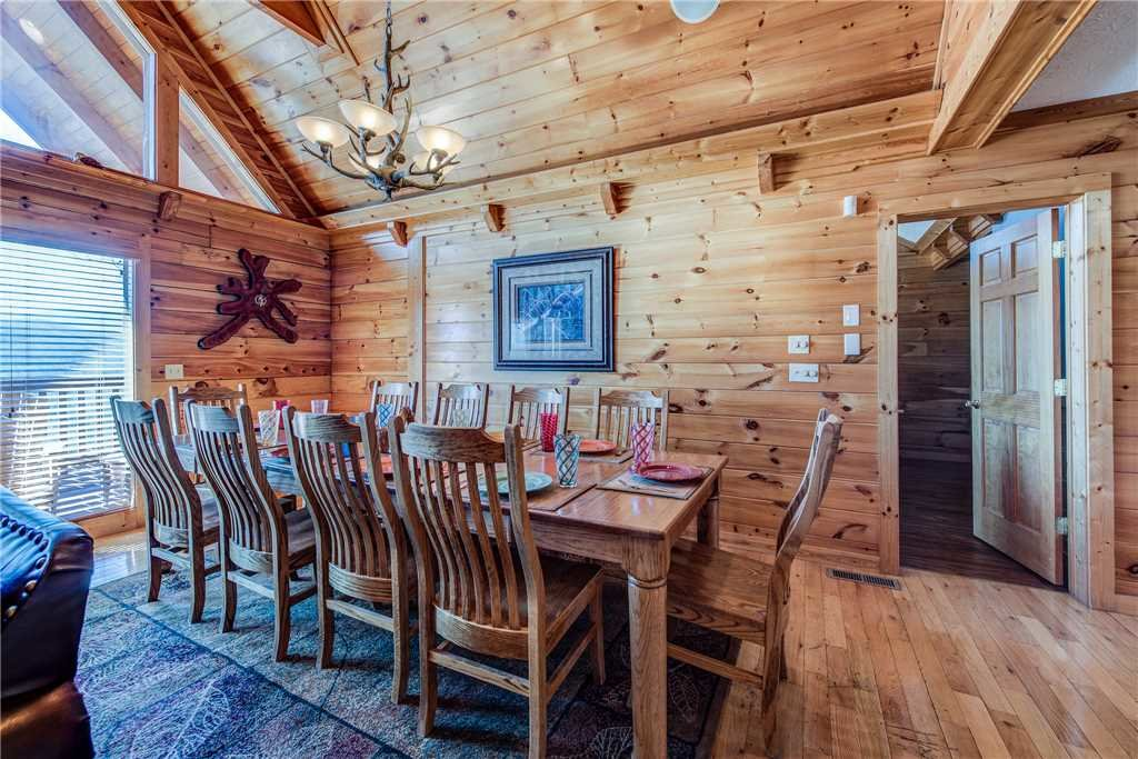Photo of a Gatlinburg Cabin named Majestic Point Lodge - This is the seventh photo in the set.
