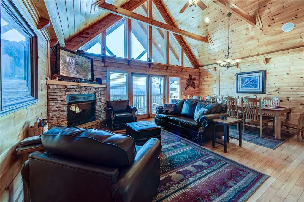Photo of a Gatlinburg Cabin named Majestic Point Lodge - This is the second photo in the set.