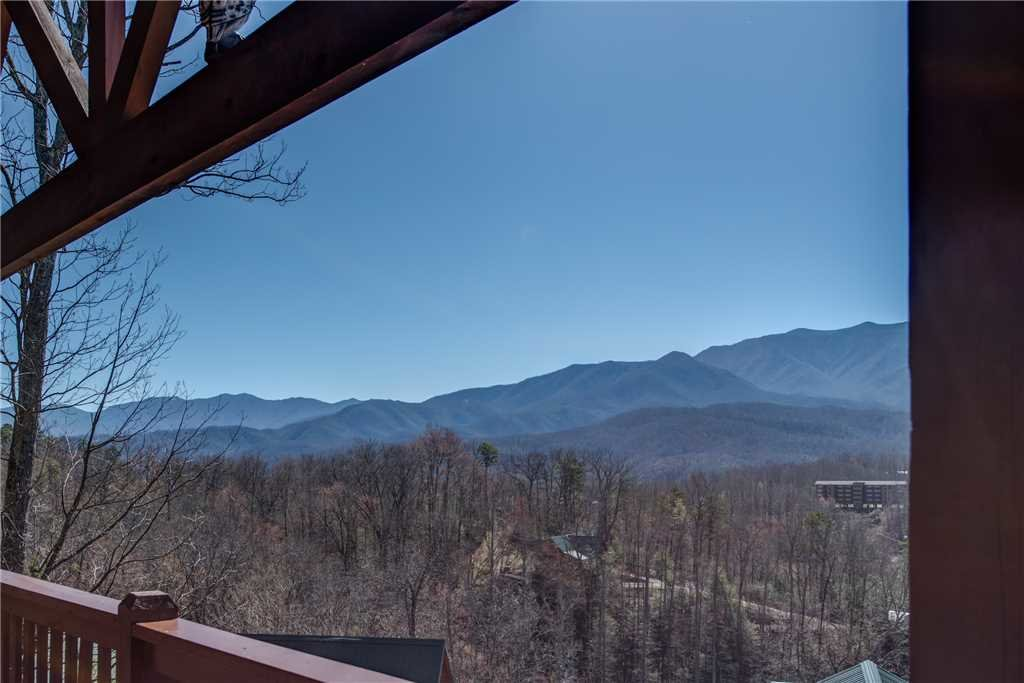 Photo of a Gatlinburg Cabin named Majestic Point Lodge - This is the thirty-third photo in the set.
