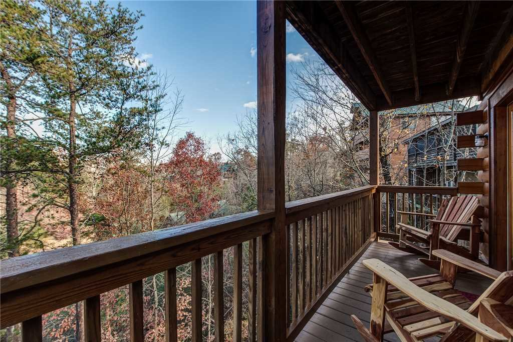 Photo of a Pigeon Forge Cabin named Sleepy Bear Lodge - This is the thirty-third photo in the set.