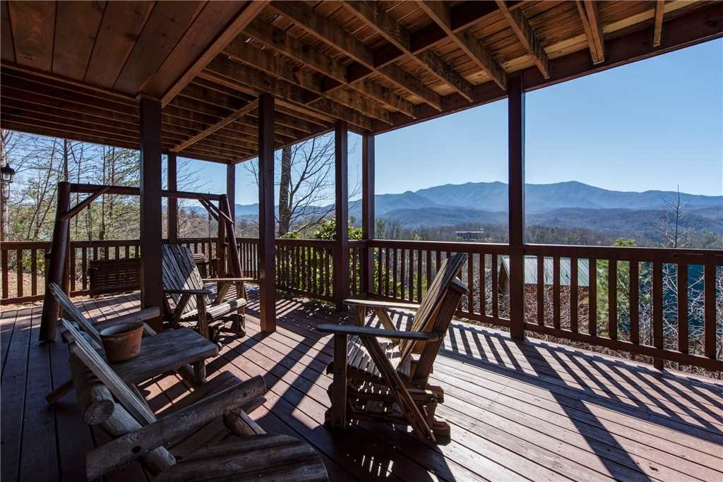 Photo of a Gatlinburg Cabin named Majestic Point Lodge - This is the twenty-ninth photo in the set.