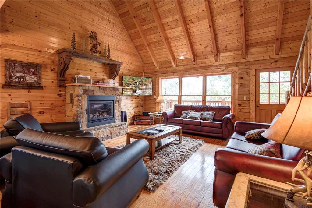 Photo of a Pigeon Forge Cabin named Sleepy Bear Lodge - This is the third photo in the set.