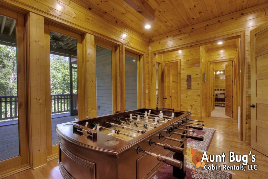 Photo of a Pigeon Forge Cabin named Birds Creek Mansion #650 - This is the sixteenth photo in the set.