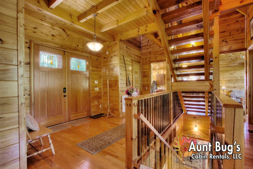 Photo of a Pigeon Forge Cabin named Birds Creek Mansion #650 - This is the fortieth photo in the set.