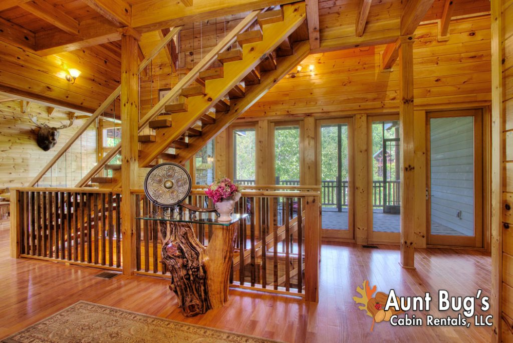 Photo of a Pigeon Forge Cabin named Birds Creek Mansion #650 - This is the one hundred and twenty-first photo in the set.
