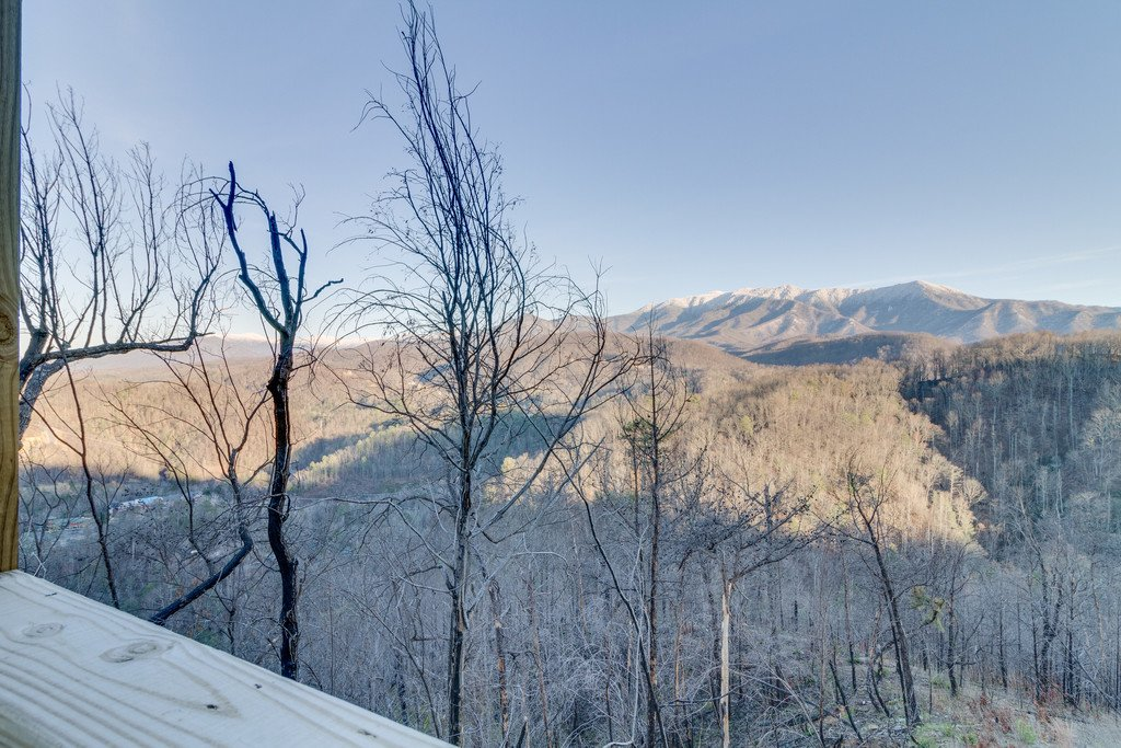 Photo of a Gatlinburg Cabin named Majestic Overlook - This is the one hundred and twenty-seventh photo in the set.