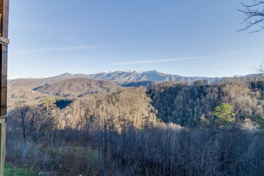 Photo of a Gatlinburg Cabin named Majestic Overlook - This is the one hundred and nineteenth photo in the set.