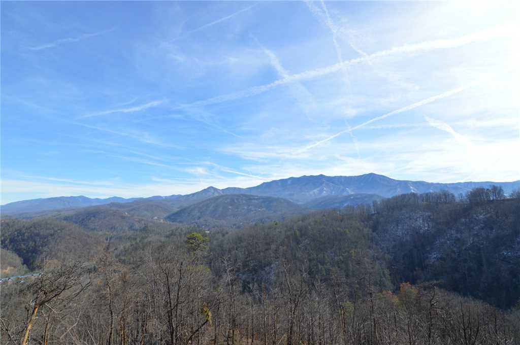 Photo of a Gatlinburg Cabin named Majestic Overlook - This is the one hundred and forty-third photo in the set.