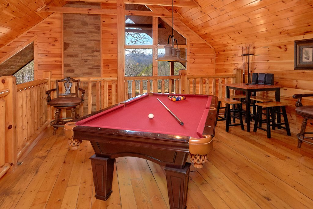 Photo of a Gatlinburg Cabin named Beary Cozy - This is the fourth photo in the set.