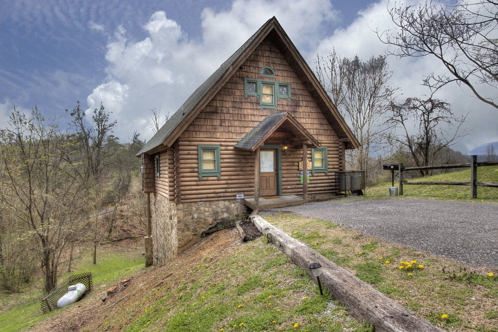 Photo of a Pigeon Forge Cabin named A Moonlight Ridge #162 - This is the second photo in the set.