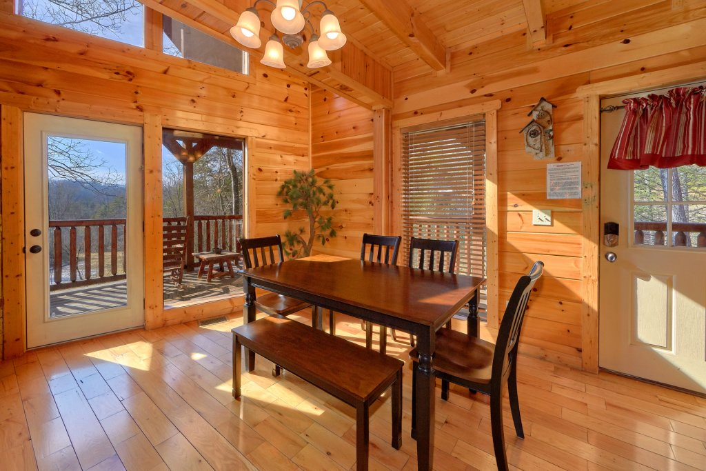 Photo of a Gatlinburg Cabin named Beary Cozy - This is the tenth photo in the set.