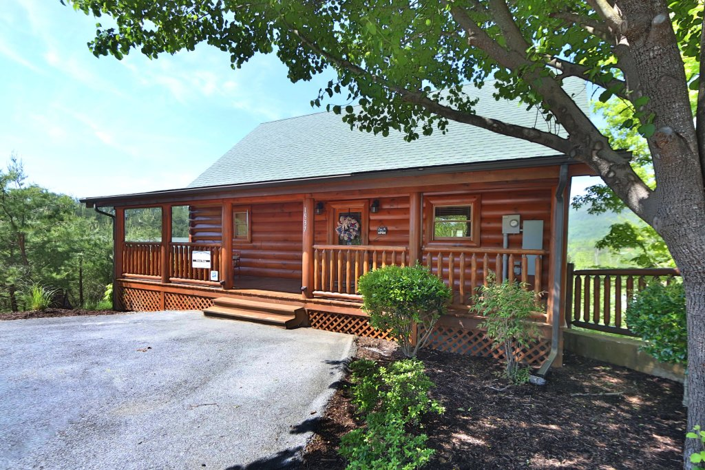 Photo of a Pigeon Forge Cabin named Forever Young - This is the tenth photo in the set.