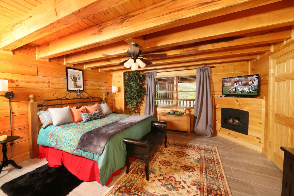 Photo of a Pigeon Forge Cabin named Forever Young - This is the sixteenth photo in the set.