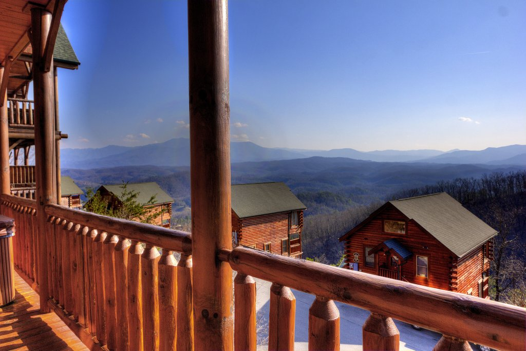 Photo of a Pigeon Forge Cabin named Lasting Impressions - 240 - This is the third photo in the set.