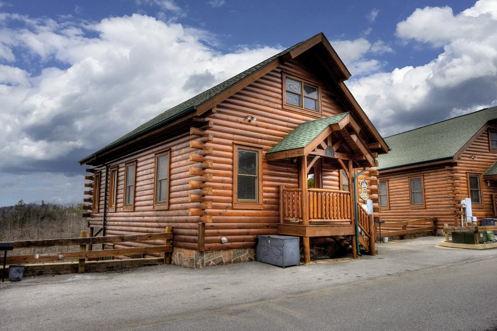 Photo of a Pigeon Forge Cabin named Lasting Impressions - 240 - This is the thirty-third photo in the set.