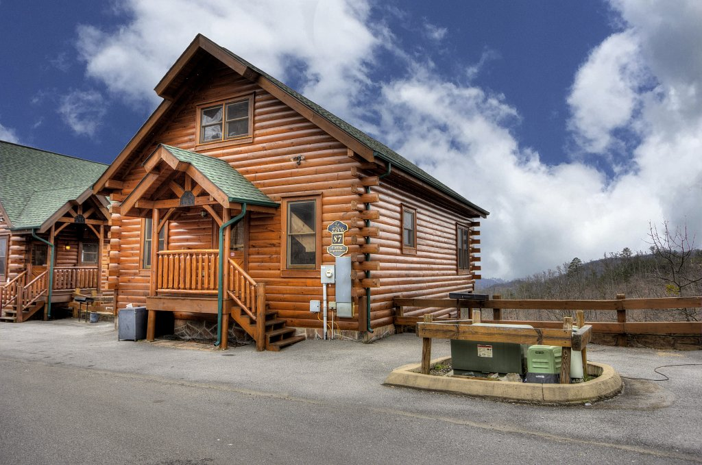 Photo of a Pigeon Forge Cabin named Lasting Impressions - 240 - This is the first photo in the set.