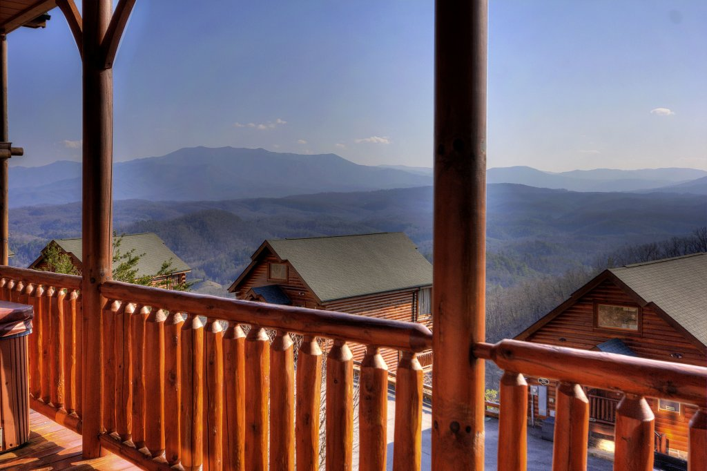 Photo of a Pigeon Forge Cabin named Lasting Impressions - 240 - This is the second photo in the set.
