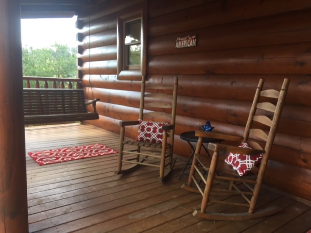 Photo of a Pigeon Forge Cabin named Forever Young - This is the twelfth photo in the set.