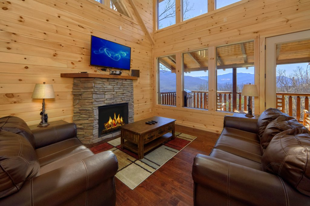 Photo of a Gatlinburg Cabin named Luxury, Views And Theater Cabin - This is the fortieth photo in the set.
