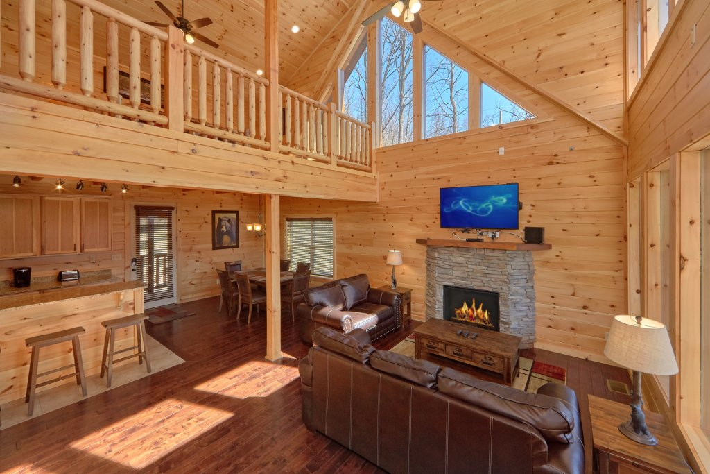Photo of a Gatlinburg Cabin named Luxury, Views And Theater Cabin - This is the forty-first photo in the set.