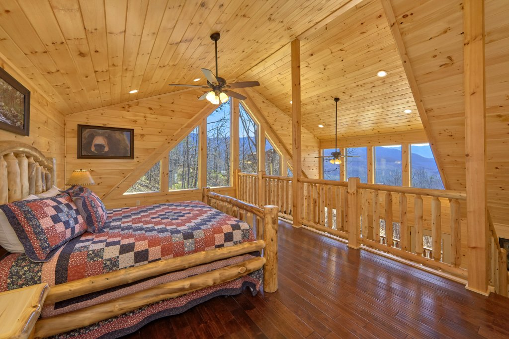 Photo of a Gatlinburg Cabin named Luxury, Views And Theater Cabin - This is the forty-sixth photo in the set.