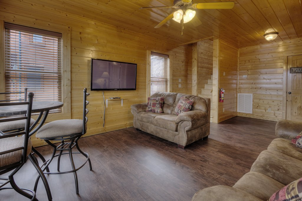 Photo of a Pigeon Forge Cabin named Lasting Impressions - 240 - This is the forty-fifth photo in the set.