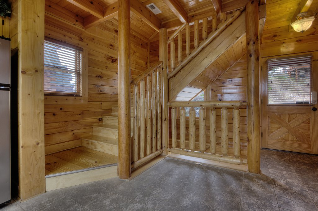 Photo of a Pigeon Forge Cabin named Lasting Impressions - 240 - This is the forty-sixth photo in the set.