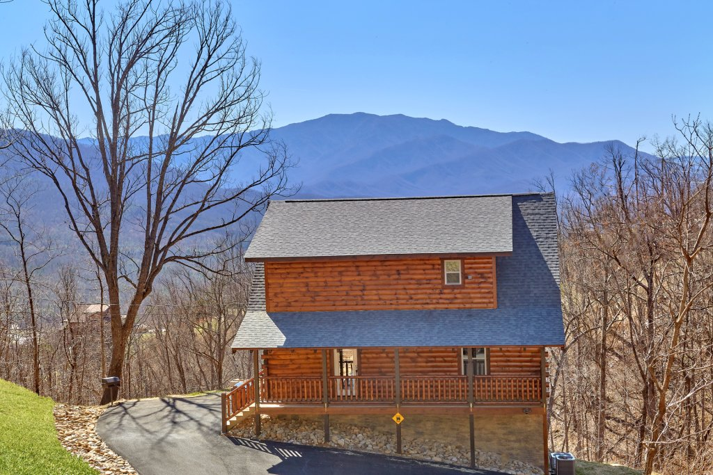 Photo of a Gatlinburg Cabin named Luxury, Views And Theater Cabin - This is the fifty-eighth photo in the set.