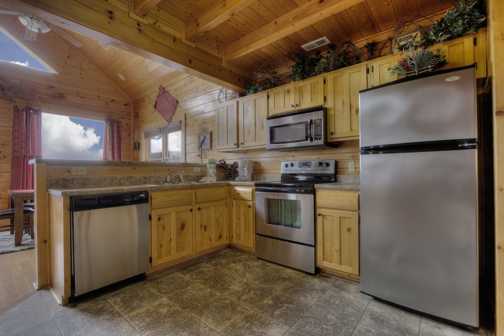 Photo of a Pigeon Forge Cabin named Lasting Impressions - 240 - This is the thirty-sixth photo in the set.