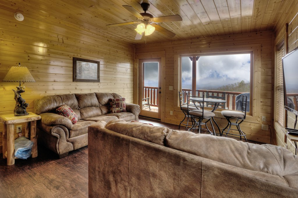 Photo of a Pigeon Forge Cabin named Lasting Impressions - 240 - This is the forty-seventh photo in the set.