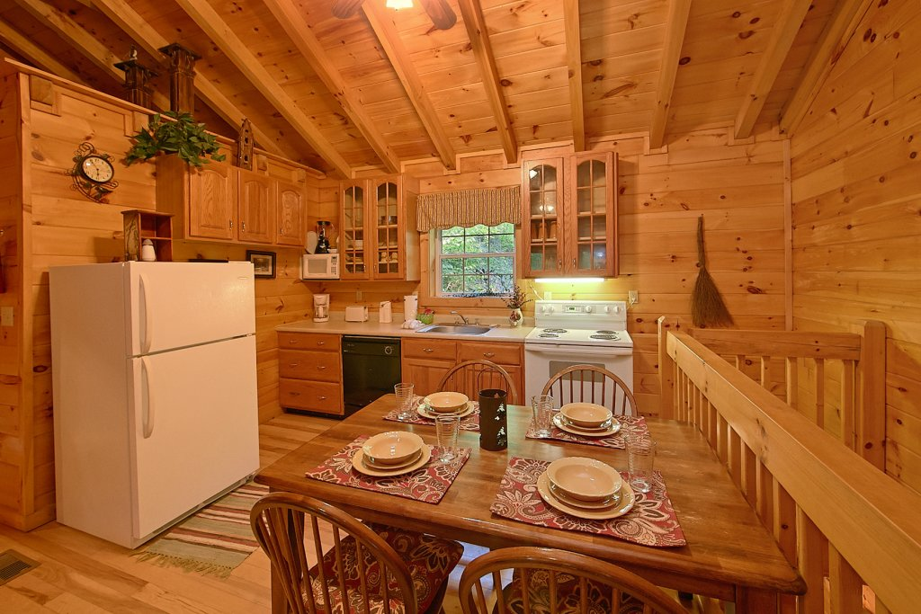 Photo of a Pigeon Forge Cabin named Whispering Waters #208 - This is the second photo in the set.